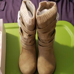 Still in the box Justfab boots